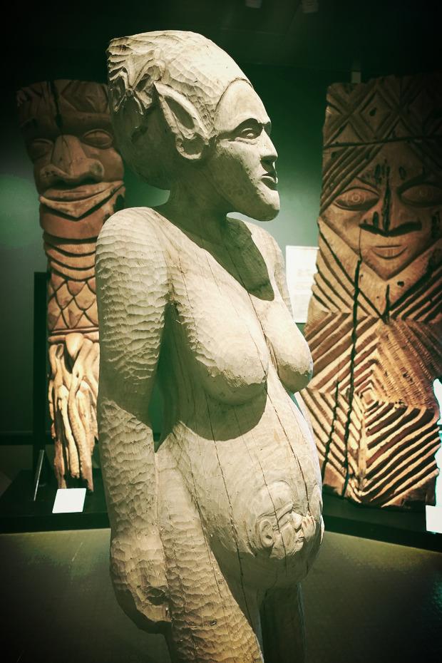 Oeuvre par le Collectif Totem Liberté, exposée au Musée de Nouvelle-Calédonie de Nouméa.